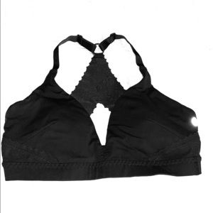 Lululemon bra - with scallop detailing